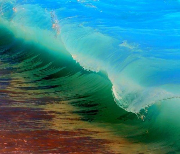 Kaihalulu-Red-Sand-Beach-Maui